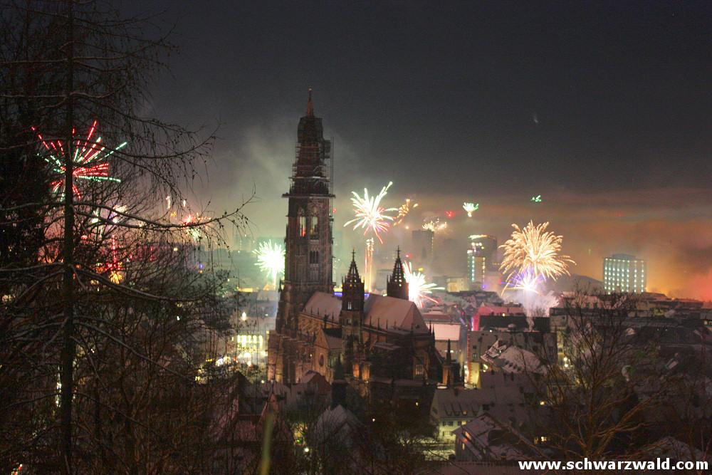 Silvester-Feuerwerk in Freiburg